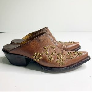 Vintage studded brown leather pointed mules size 7